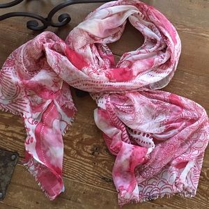 Nordstrom's Summer Scalloped Print Scarf